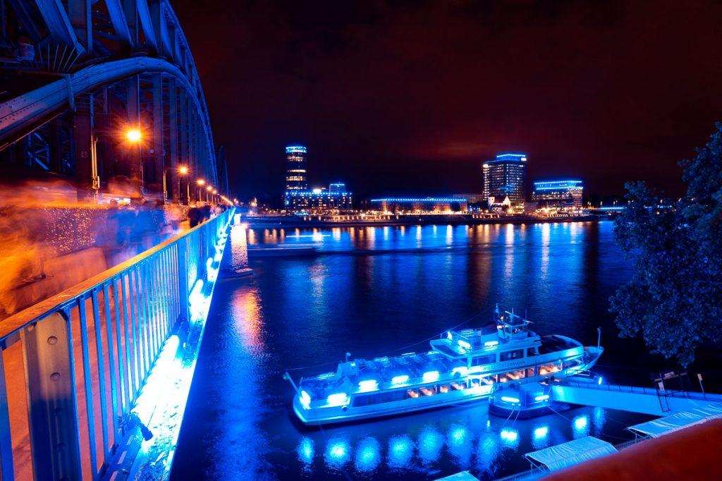 852_Cologne_in_blue